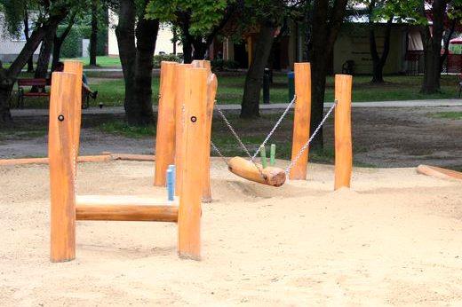Hracie prvky na detské ihrisko - hojdačka Baranidlo