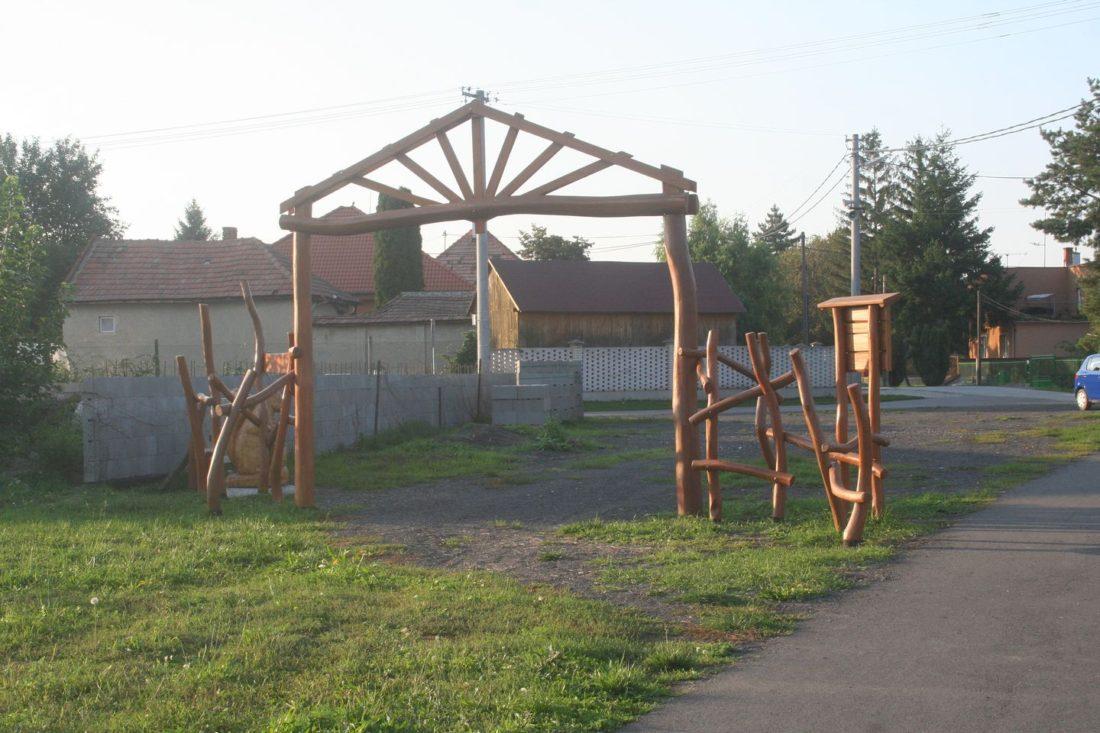 Vstupná brána z agátového dreva, jelšovce