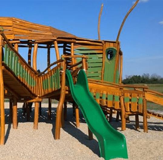 Drevená preliezka pre deti lúčny koník