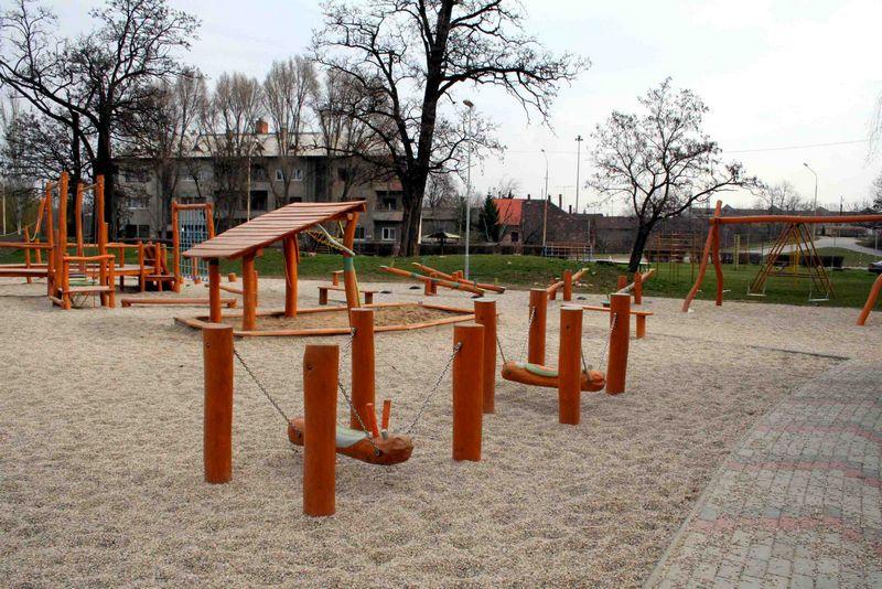 Detské ihrisko Pavúk z agátového dreva