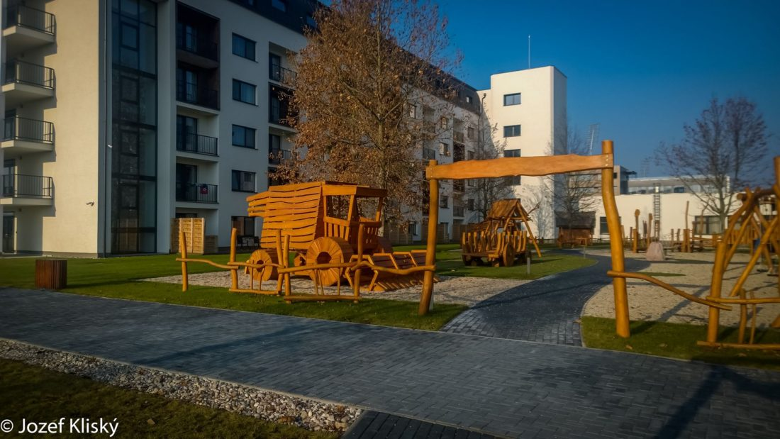 Vstupná brána na detské ihrisko Dedinský život, Šamorín