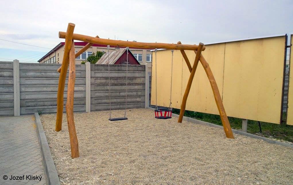 Hracie prvky na detské ihrisko - Reťazová hojdačka s obyčajným a baby sedákom