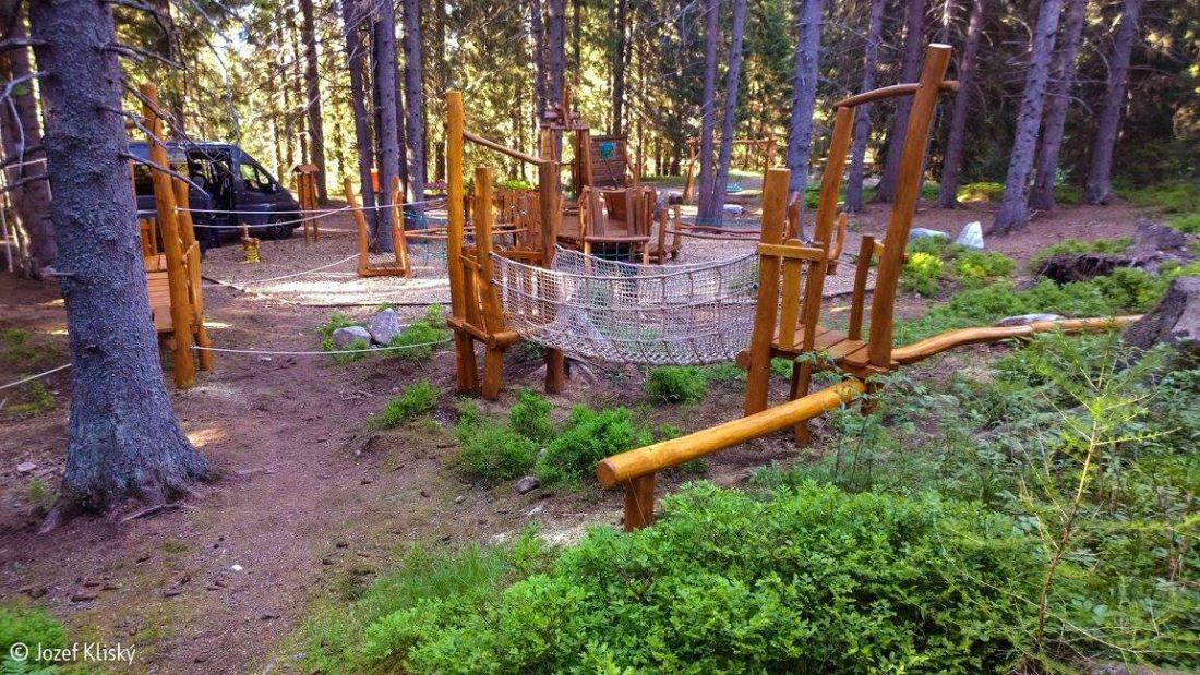 Zostava preliezok - lanových a drevených, lanový most, preliezky, vrbické pleso