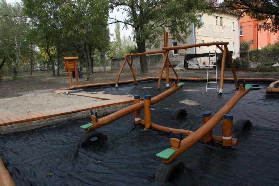 Detské ihrisko V parčíku, Nové Zámky