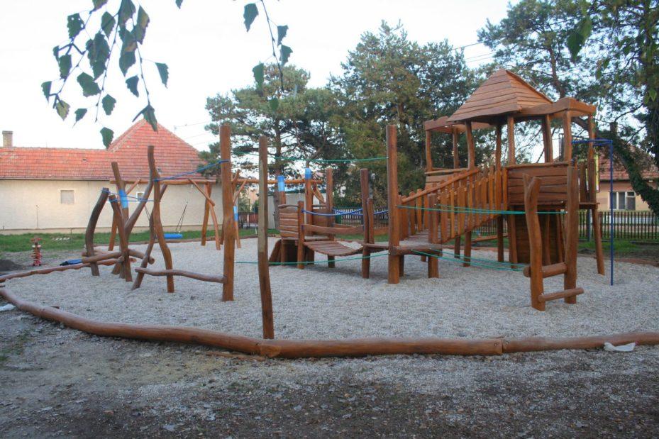 Detské ihrisko v Bešeňove