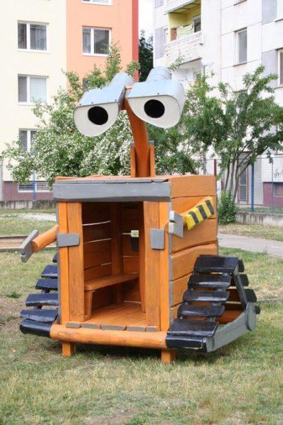 Walle - drevený domček na hranie pre deti