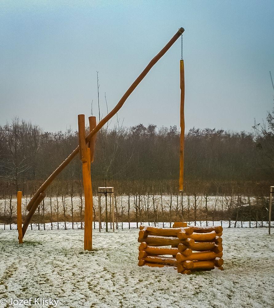 Klasická dedinská studňa z agátového dreva - Šamorín