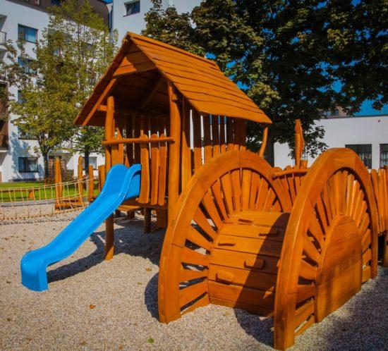 Hracie prvky na detské ihriská - preliezka Vodný mlyn