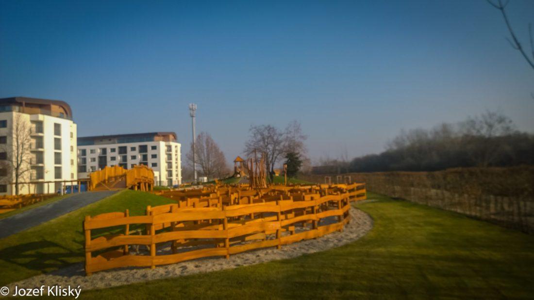Bludisko Ryba - drevený labyrint - Hracie prvky na detské ihrisko
