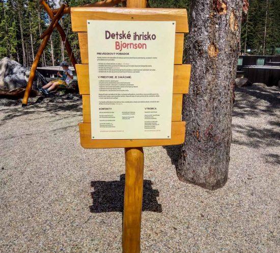 Informačná tabuľa na detské ihrisko