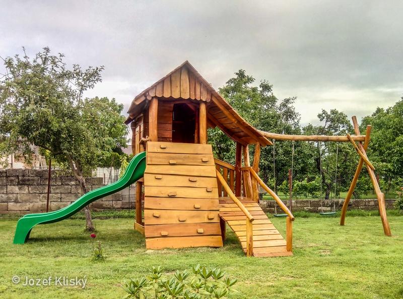 Detské ihrisko v záhrade, Sereď
